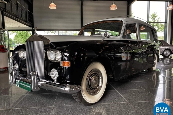 Upper Class Cars (Rolls-Royce, Maybach & Bentley) te Dieren